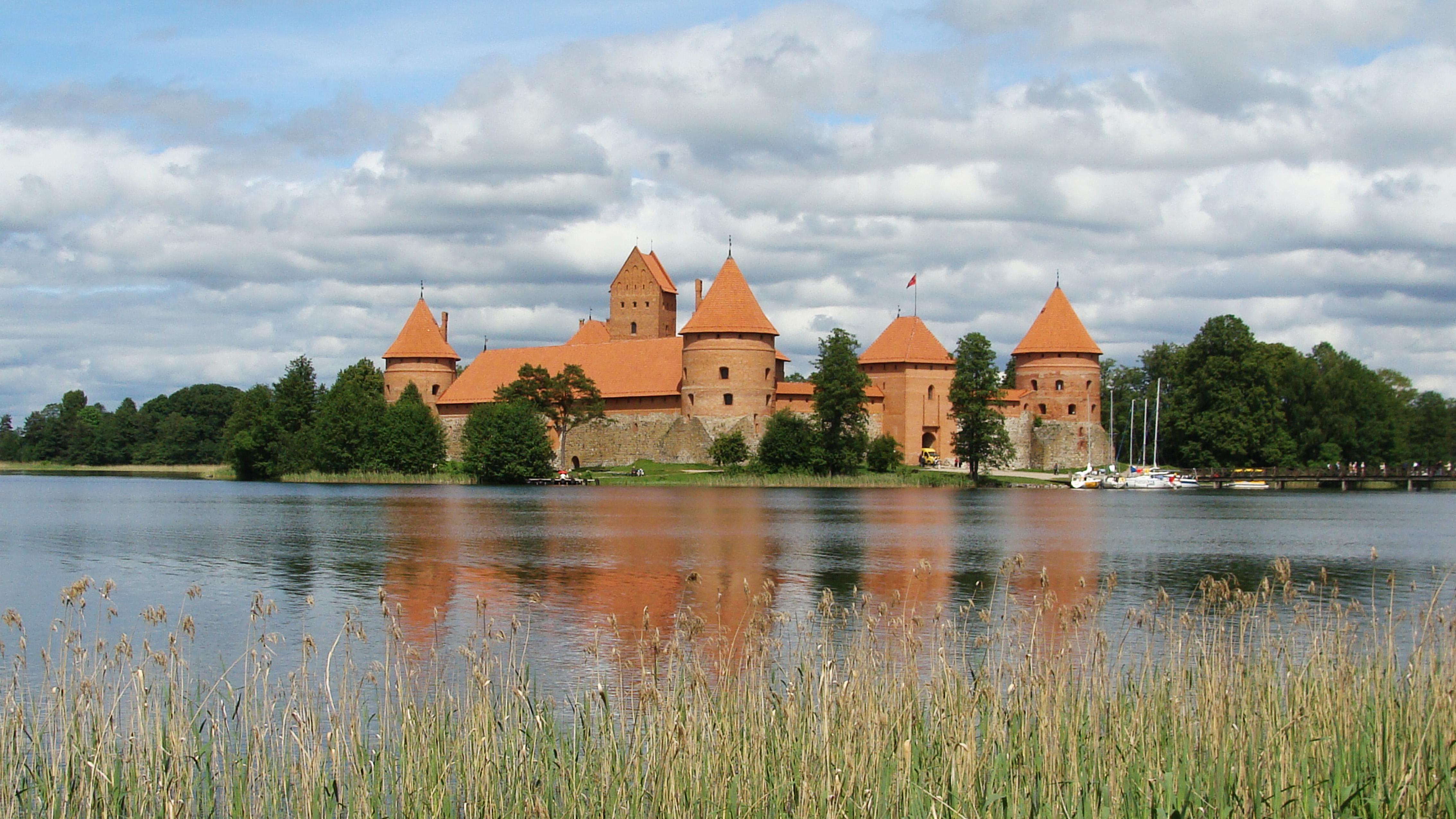 Zamek_w_Trokach.jpg
